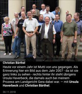 Bärthel bei einem Gerichtsprozess 2007 unterstützt von Ursula Haverbeck