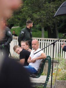Reiko Pflug hört aufmerksam bei einer NPD-Kundgebung am 13.08.14 in Gera zu