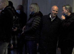 Robby Schlund und Peter Pichl im vertrauten Gespräch am Rande einer AfD-Demo am 16.10.20 in Gera